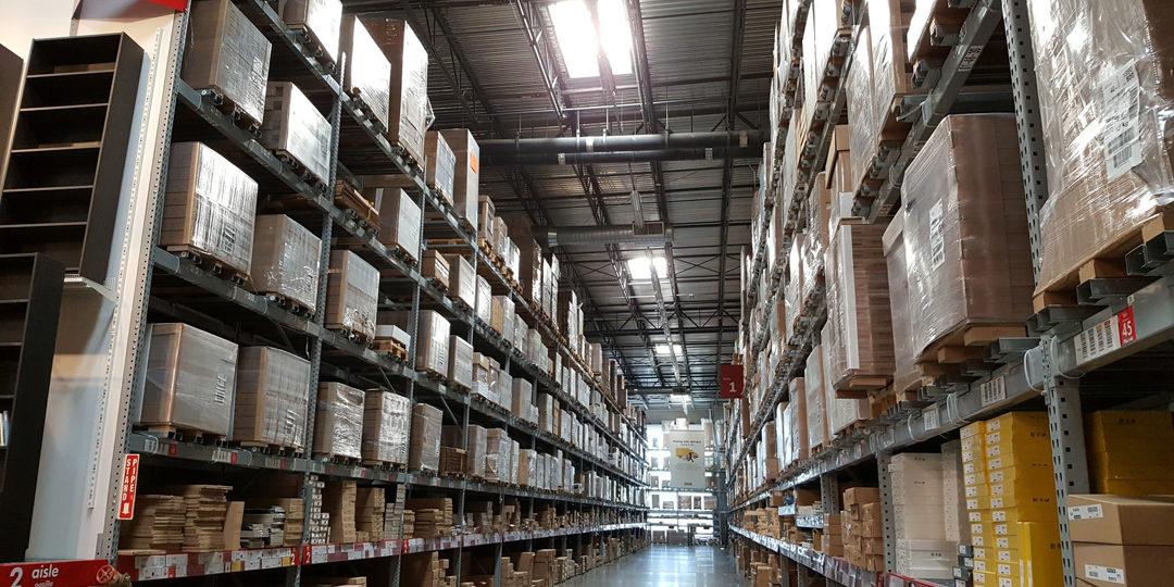 http://crossroadscourier.com/wp-content/uploads/2017/11/Warehouseing-Logistics-1080x540.jpg